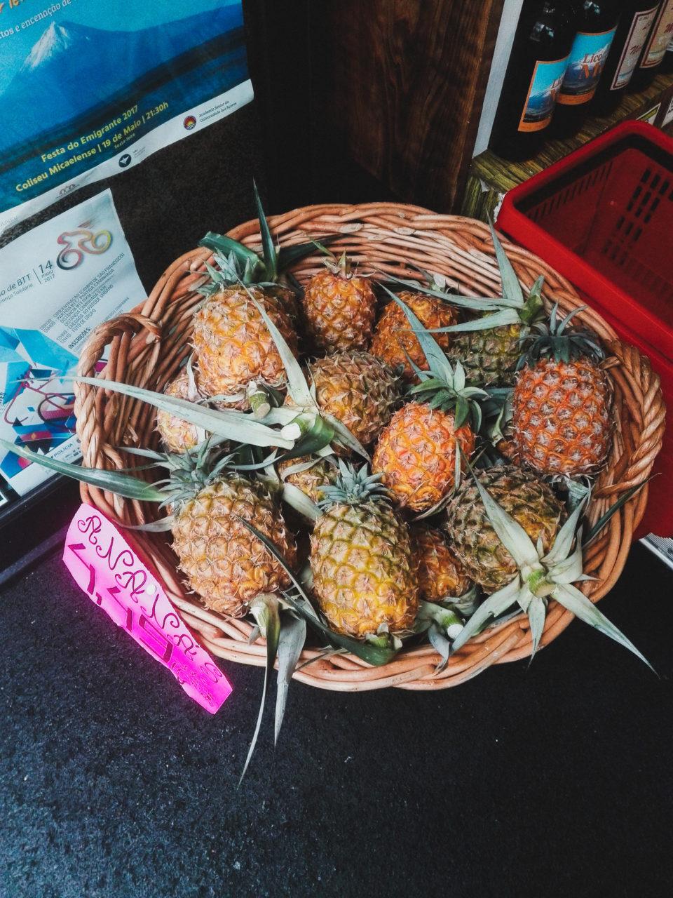 ananasy azory