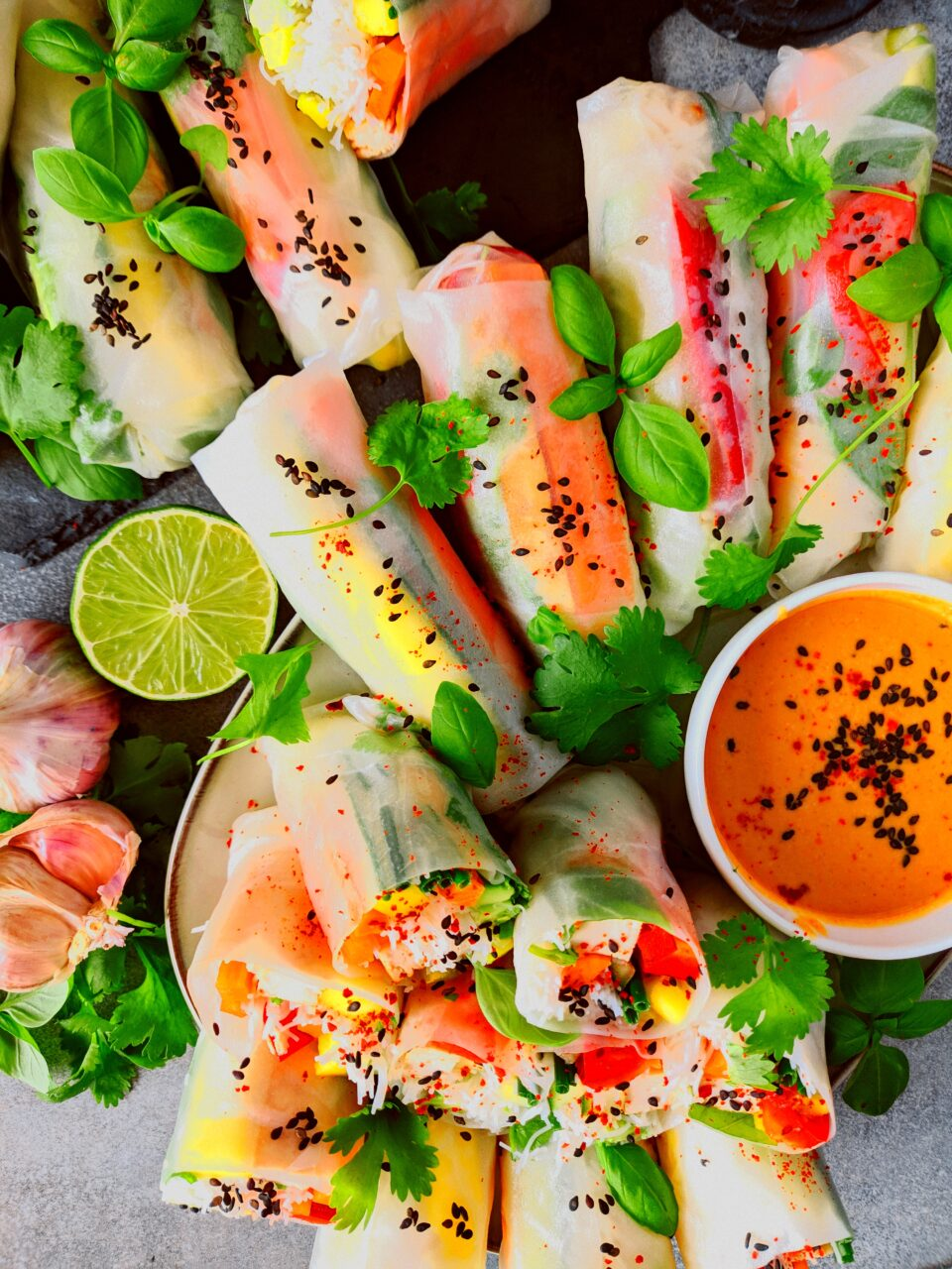 wegańskie spring rolls meet without meat