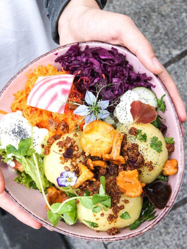 Wegańskie jedzenie w Gdańsku – 11 najlepszych miejsc