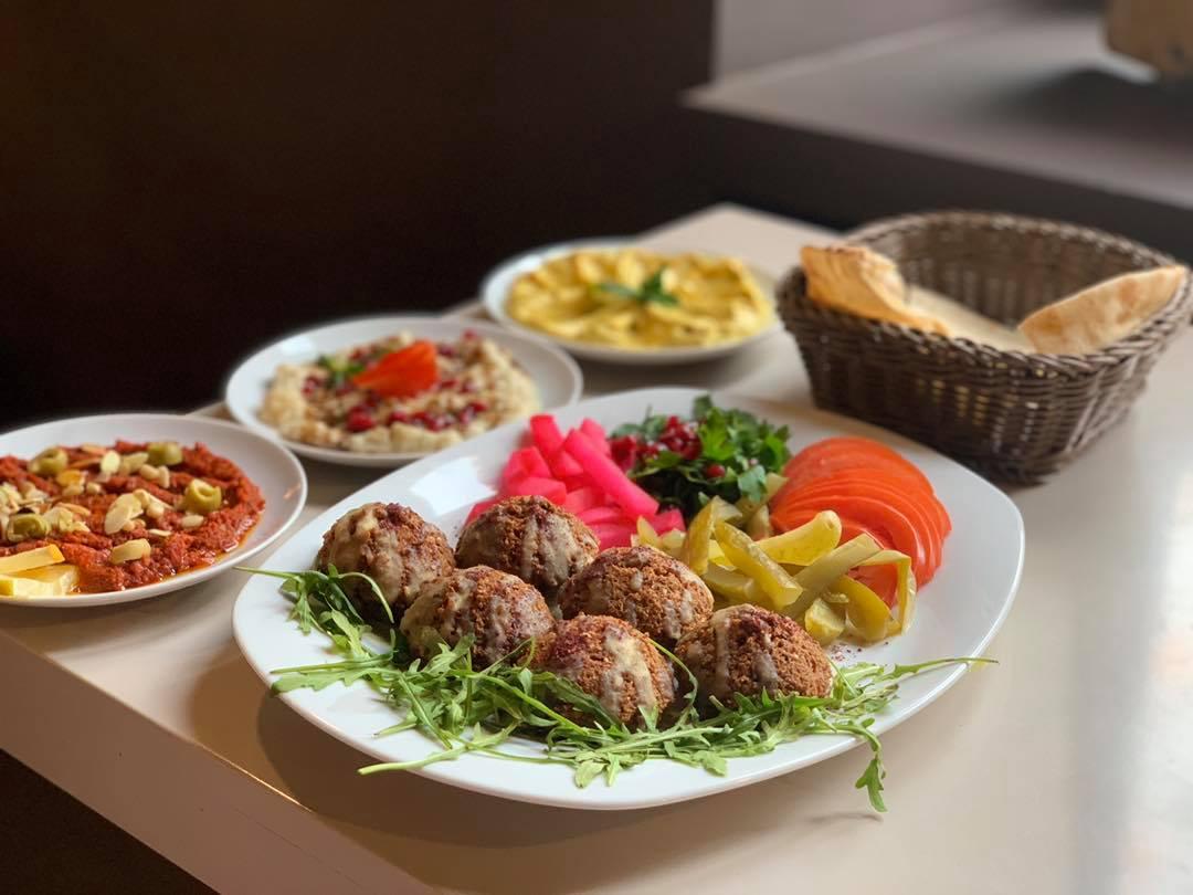 mazaya falafel krakow weganskie
